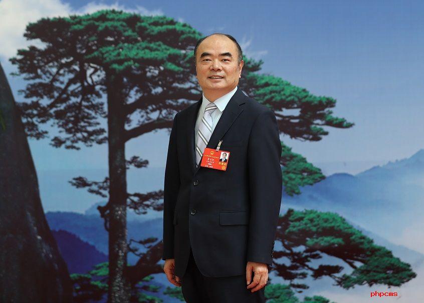 曹仁贤:立即实施按照碳排放当量计征的碳税制度